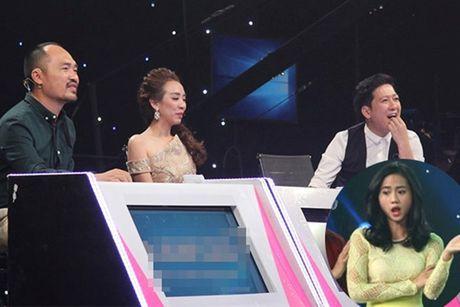 Tien Luat nuc no khen 'gai xinh' truoc mat vo - Anh 1