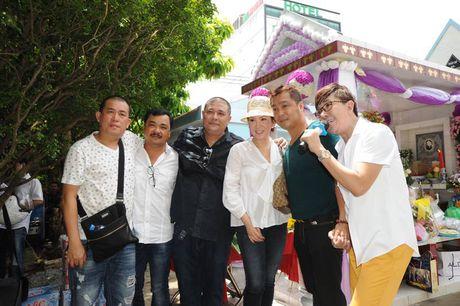 Cac nghe si khoc- cuoi ben mo Le Cong Tuan Anh  - Anh 15