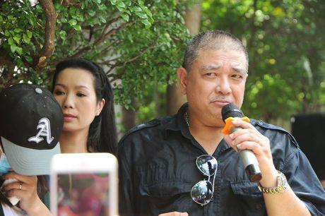 Cac nghe si khoc- cuoi ben mo Le Cong Tuan Anh  - Anh 3