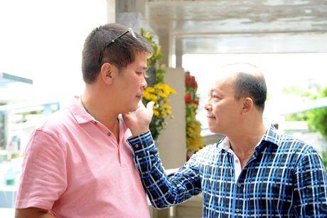 Cac nghe si khoc- cuoi ben mo Le Cong Tuan Anh  - Anh 4