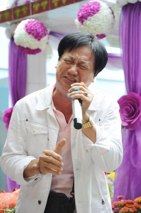 Cac nghe si khoc- cuoi ben mo Le Cong Tuan Anh  - Anh 6