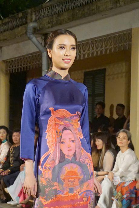 Nguoi dep 'trinh lang' mau ao dai trong Festival Ao dai Ha Noi 2016 - Anh 13