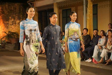 Nguoi dep 'trinh lang' mau ao dai trong Festival Ao dai Ha Noi 2016 - Anh 16