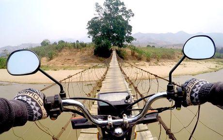 Chang Tay dep trai lai xe 3.500km doc Viet Nam suot 23 ngay - Anh 2