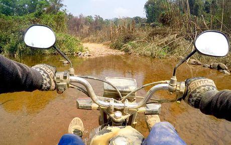 Chang Tay dep trai lai xe 3.500km doc Viet Nam suot 23 ngay - Anh 4