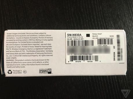 Samsung lai gap 'han' vi Note7 moi van boc chay ngay tren may bay - Anh 2