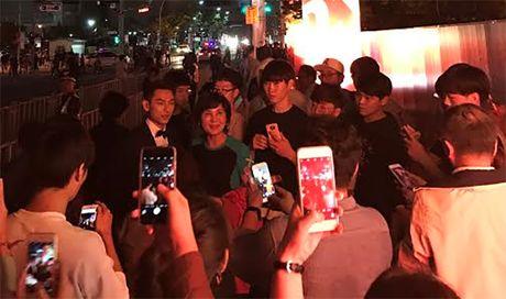 'Thai tu' Isaac dep trai hut hon giua dan sao Han tren tham do Lien hoan phim quoc te Busan - Anh 6