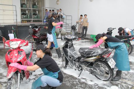 Dat quyen loi nguoi lao dong len hang dau - Anh 1