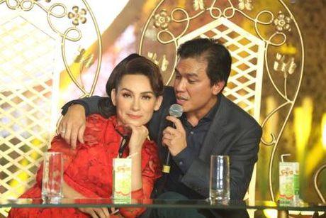 Phi Nhung khong tha 'chat chem' Manh Quynh du duoc cham soc tinh tu - Anh 1