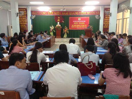 LDLD Ninh Thuan: Tap huan nghiep vu kiem tra cho 80 can bo cong doan - Anh 1