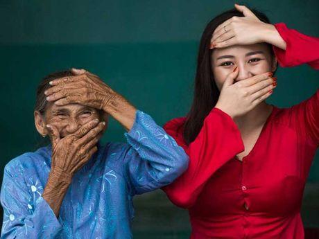 Tac gia 'cu ba Viet dep nhat the gioi' tang sach - Anh 2