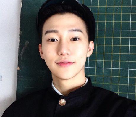 Hot boy Han Quoc cao 1,85 m tro thanh ngoi sao tren mang - Anh 2