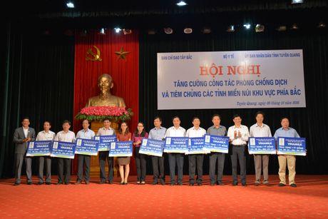 'Sua hoc duong' den voi tre em 14 tinh kho khan - Anh 5
