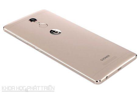 Smartphone selfie, RAM 3 GB, gia 4,49 trieu dong tai Viet Nam - Anh 23