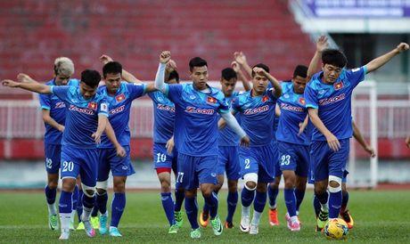 Tuyen Viet Nam vs Trieu Tien: Bai test dau cho AFF cup - Anh 1