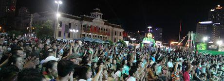 Lo dien nha vo dich Cup Bia Saigon 2016 - Anh 5