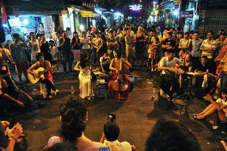 Nhung khu pho Tay noi tieng o Viet Nam - Anh 2