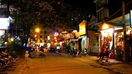 Nhung khu pho Tay noi tieng o Viet Nam - Anh 7