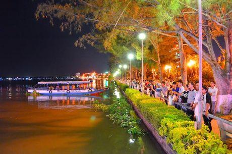 Nhung khu pho Tay noi tieng o Viet Nam - Anh 9