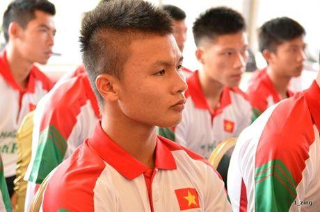 Quang Hai tro thanh doi truong U19 Viet Nam - Anh 1
