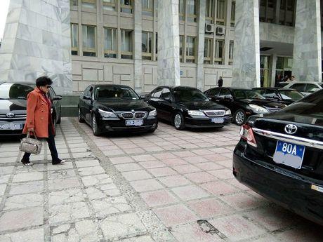 Khoan kinh phi xe cong: Bo Tai chinh 'lenh' cat giam mot so lai xe rieng - Anh 1