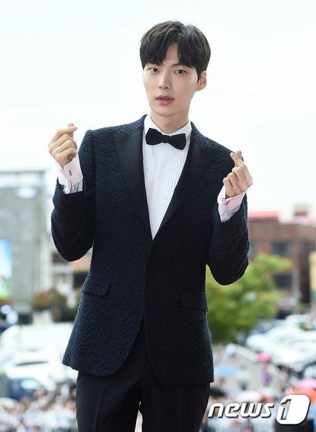35 tuoi, Son Ye Jin tre trung khong kem sao phim 19+ - Anh 22