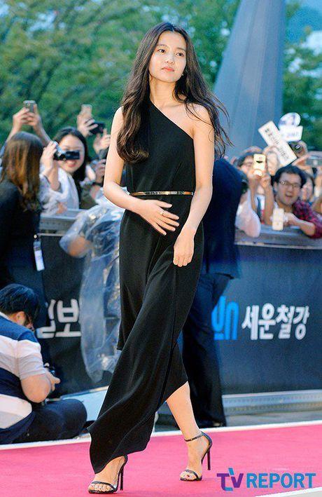 35 tuoi, Son Ye Jin tre trung khong kem sao phim 19+ - Anh 6