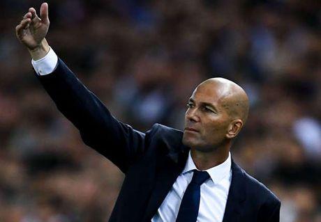 Zidane tho lo: 'Dang nao toi cung bi sa thai' - Anh 1