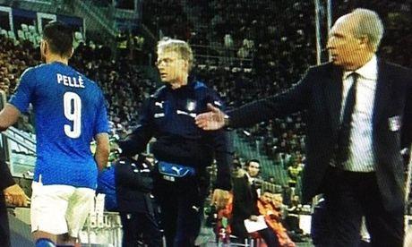 Soc: To thai do, Graziano Pelle bi duoi khoi tuyen Italia - Anh 1