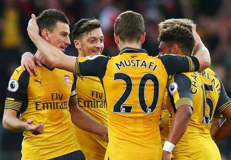 'Arsenal khong vo dich, cung Top 3' - Anh 1