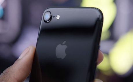 Nguoi Viet phai nhin an bao lau moi mua duoc iPhone 7? - Anh 1