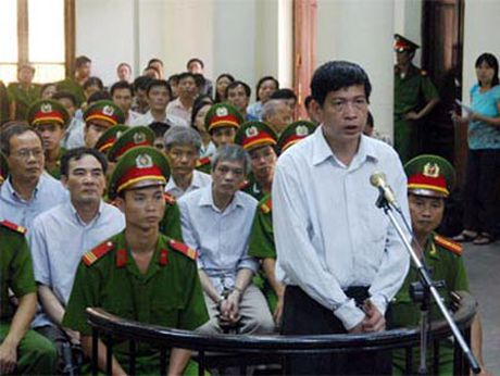 Tam dinh chi phat tu Dung 'tong', Chanh an toa Thai Nguyen noi gi? - Anh 2