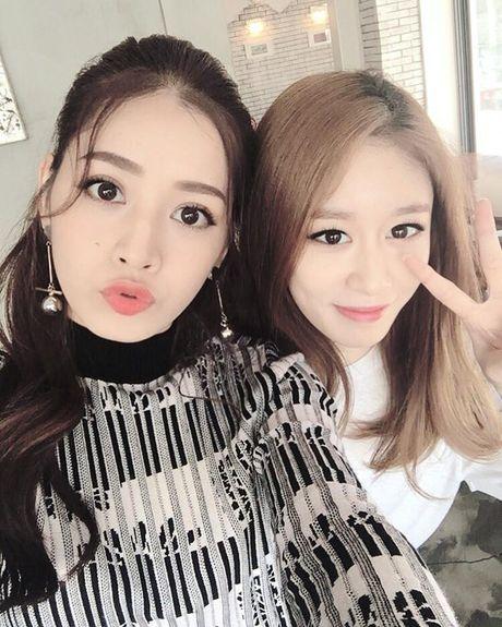 Chi Pu gay bao khi khoe anh selfie do sac voi Jiyeon nhom T-ara - Anh 6