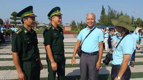 Quang Ninh: Khai mac trai sang tac VHNT ve bien gioi, bien dao - Anh 7