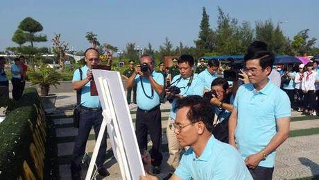 Quang Ninh: Khai mac trai sang tac VHNT ve bien gioi, bien dao - Anh 9