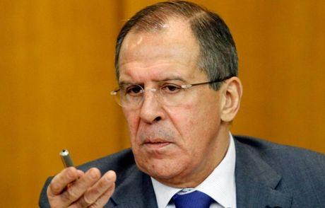 Lavrov len tieng ve viec Nga trien khai S-300 va S-400 tai Syria - Anh 1
