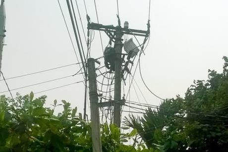 Quang Ninh: Mot cong nhan nganh dien tu vong do dien giat - Anh 1