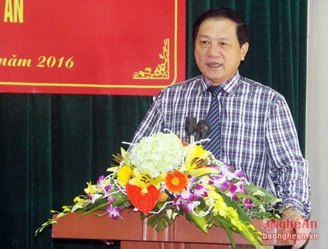 Trao quyet dinh bo nhiem Giam doc va Tong Bien tap Nha xuat ban Nghe An - Anh 1