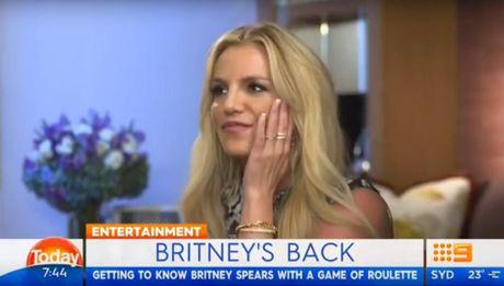 Britney Spears mung ra mat vi Brad Pitt doc than - Anh 2