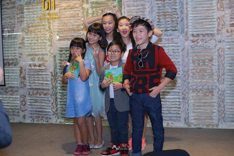 Con trai nuoi Hoai Linh tham gia chuong trinh trieu view tren YouTube - Anh 2