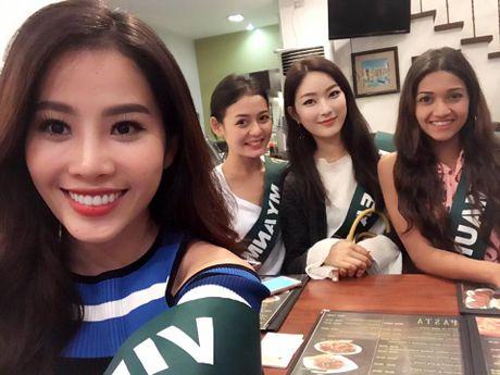 Nhung doi thu cua Nam Em tai dau truong Hoa hau trai dat - Anh 3