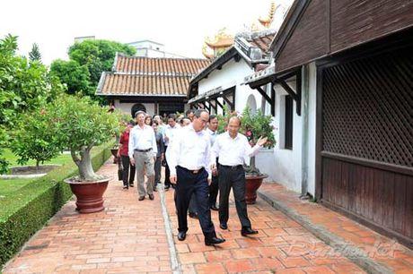 Doan Chu tich UBTU MTTQ Viet Nam thap huong tuong niem Bac Ho - Anh 6