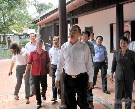 Doan Chu tich UBTU MTTQ Viet Nam thap huong tuong niem Bac Ho - Anh 7