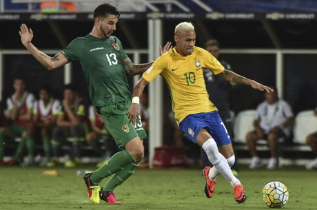 Mau chay dam dia tren guong mat Neymar - Anh 5
