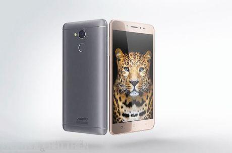 Smartphone selfie, RAM 4 GB, pin 4.010 mAh, gia gan 4 trieu dong - Anh 14