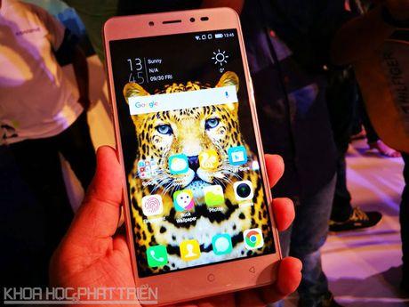 Smartphone selfie, RAM 4 GB, pin 4.010 mAh, gia gan 4 trieu dong - Anh 19