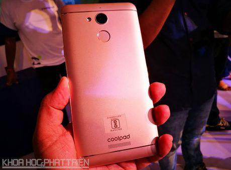 Smartphone selfie, RAM 4 GB, pin 4.010 mAh, gia gan 4 trieu dong - Anh 20