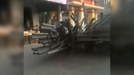 Hai hung sat do tran xuong duong tu xe 3 banh tu che - Anh 1