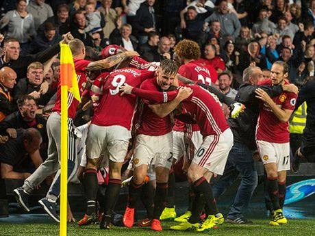 DAC BIET: Man United ban an 'treo gio' mot nam voi CDV vi bo lo... mot tran dau - Anh 2