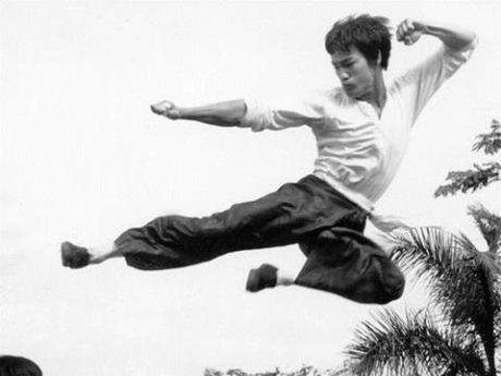 Phim tieu su ve Ly Tieu Long lam cong chung bat binh - Anh 3